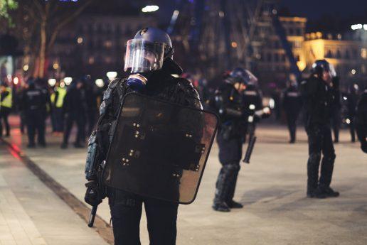 politi police skyderi død terror (Foto: Unsplash)