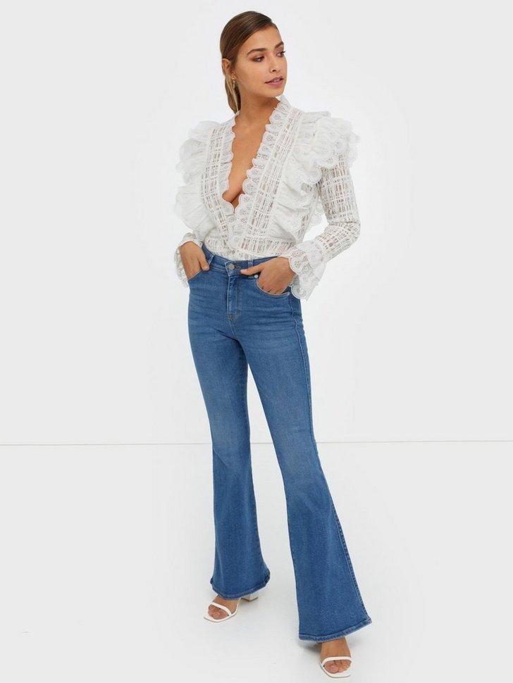 trompetbukser bukser jeans mode tøj (Foto: Nelly.com)