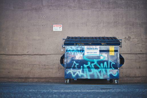 Madspild, container, skrald, skraldespand. (Foto Unsplash)