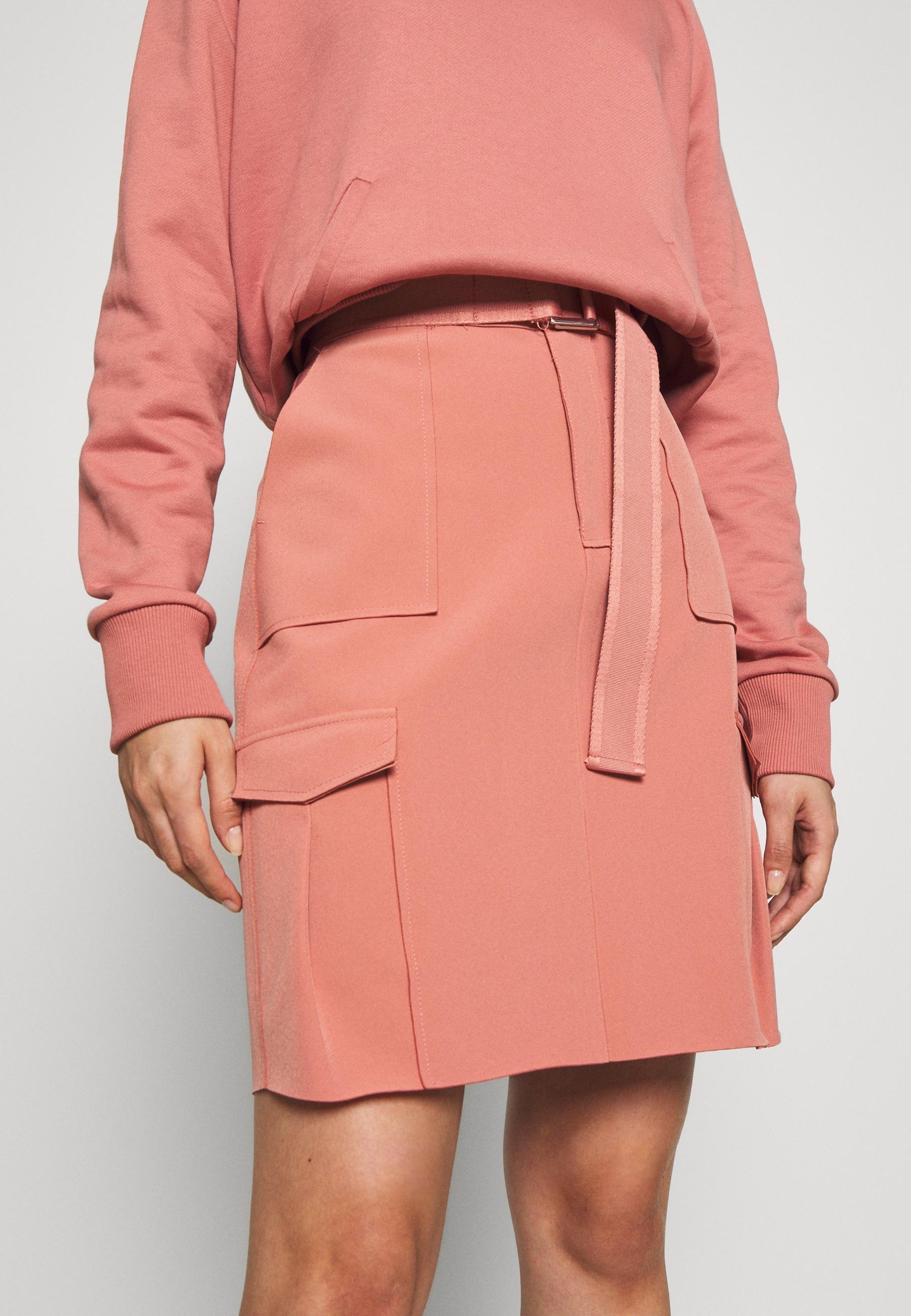 nederdel, pink, lyserød. (Foto: Zalando)
