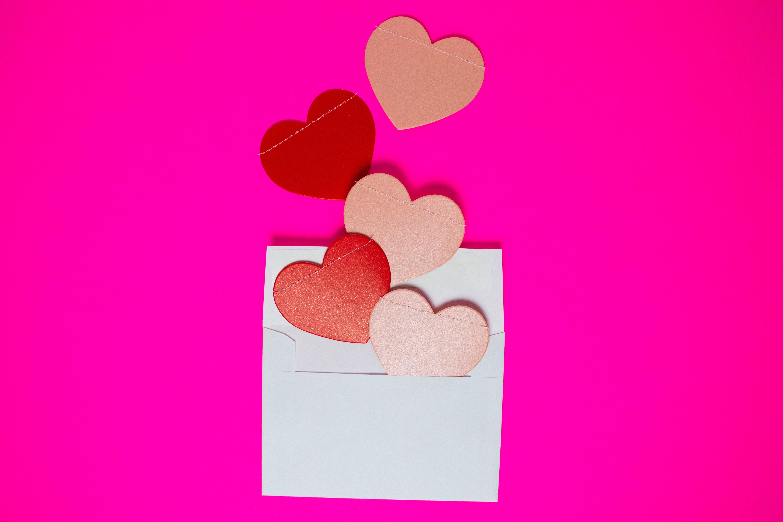 hjerter, lyserød, pink, love, kærlighed. (Foto: Unsplash)