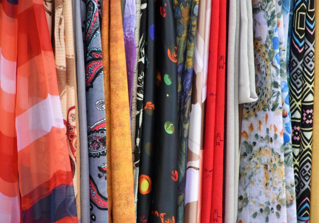 tekstil tøj mode stof (Foto: Unsplash)