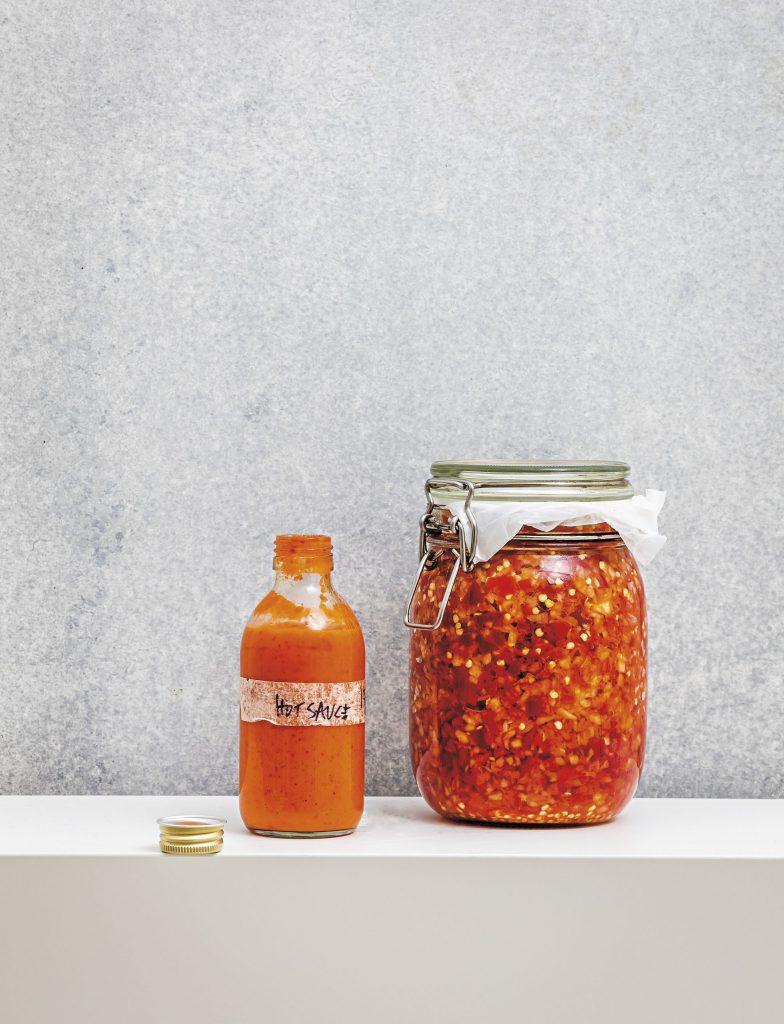 Sådan ser den fermenterede chilisauce ud. (Foto: Johan Björkman)