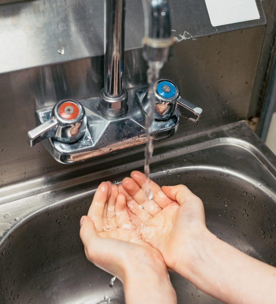 virus corona covid-19 sygdom hænder håndvask vaske hænder (Foto: Unsplash)
