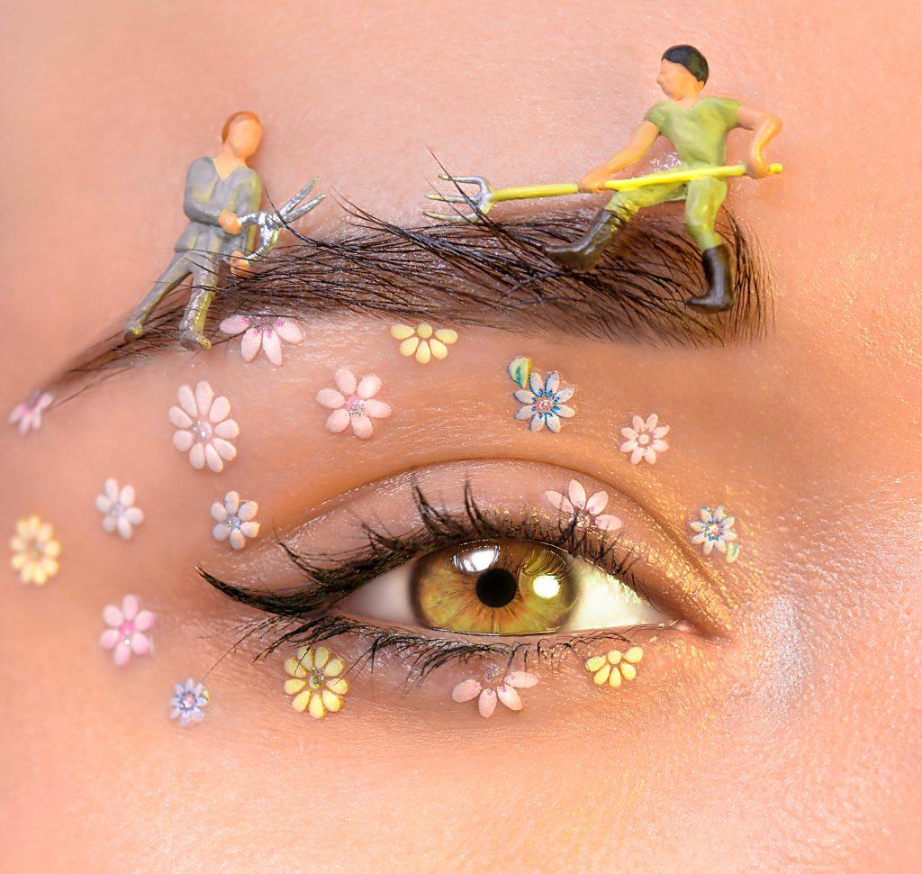 makeup sminke øjenbryn øjne rede eyeliner (Foto: Unsplash)