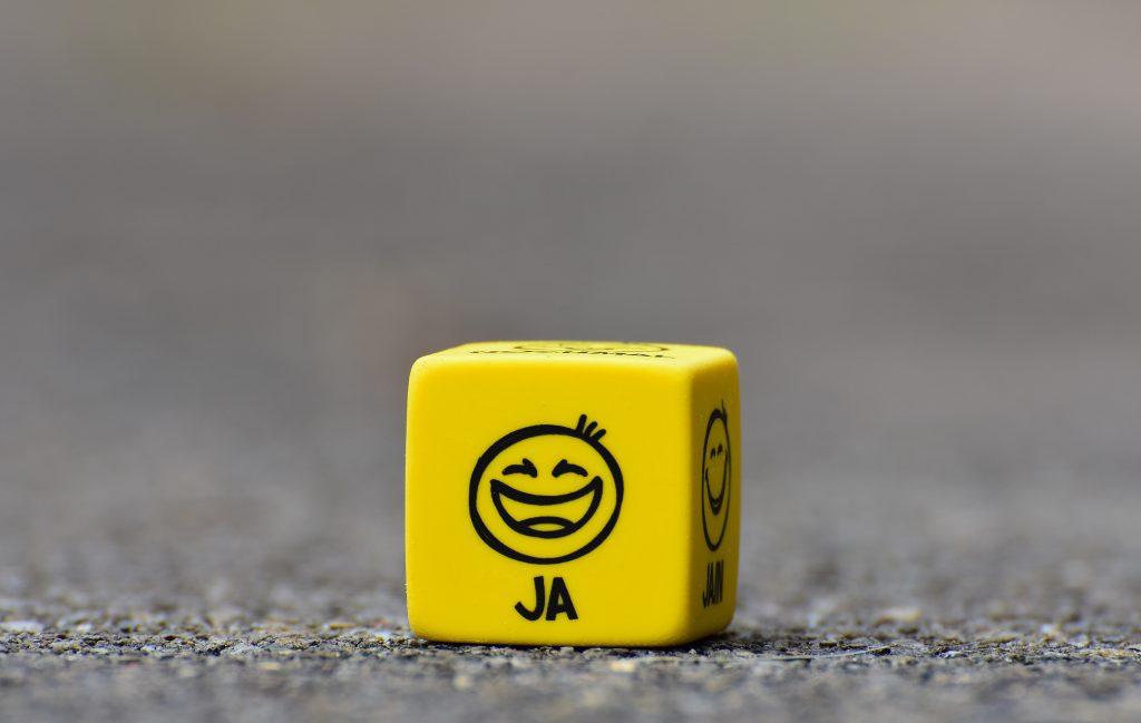 smiley grine glæde grin ja (Foto: Unsplash)