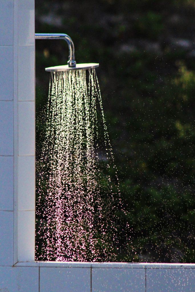 brusebad bad badeværelse bruse (Foto: Unsplash)