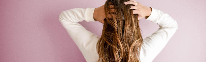 Pige hår kvinde beauty hacks pink (Foto: Pexels)