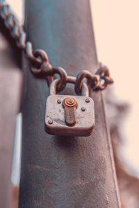 lås skjult hemmelighed kæde (Foto: Unsplash)
