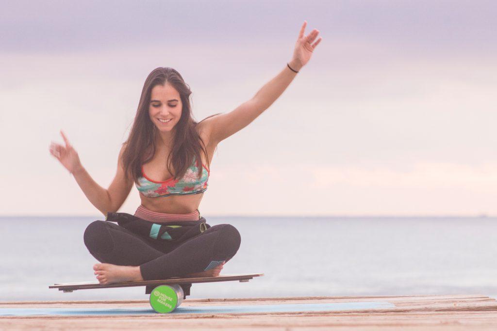 pige træning træner havet motion krop balance (Foto: Unsplash)