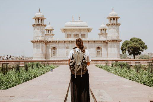 rejse ferie temple templer pige (Foto: Unsplash)