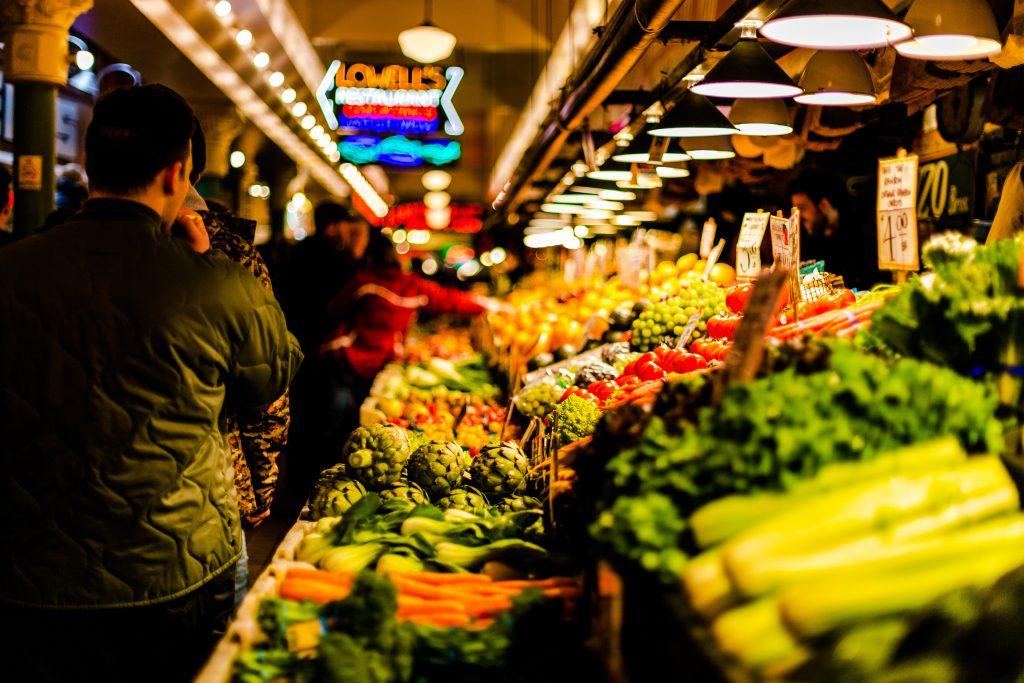 frugt grøntsager bod marked (Foto:. Unsplash)