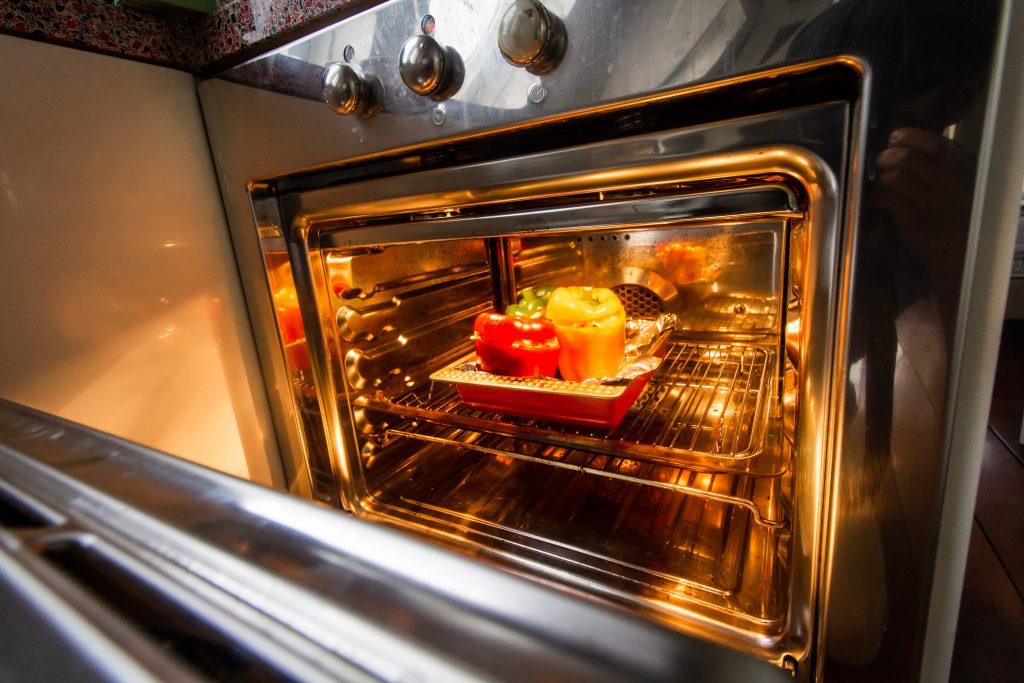 mikrobølgeovn køkken (Foto: Unsplash)