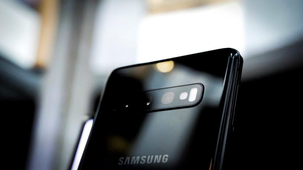 samsung mobil (Foto: Unsplash)