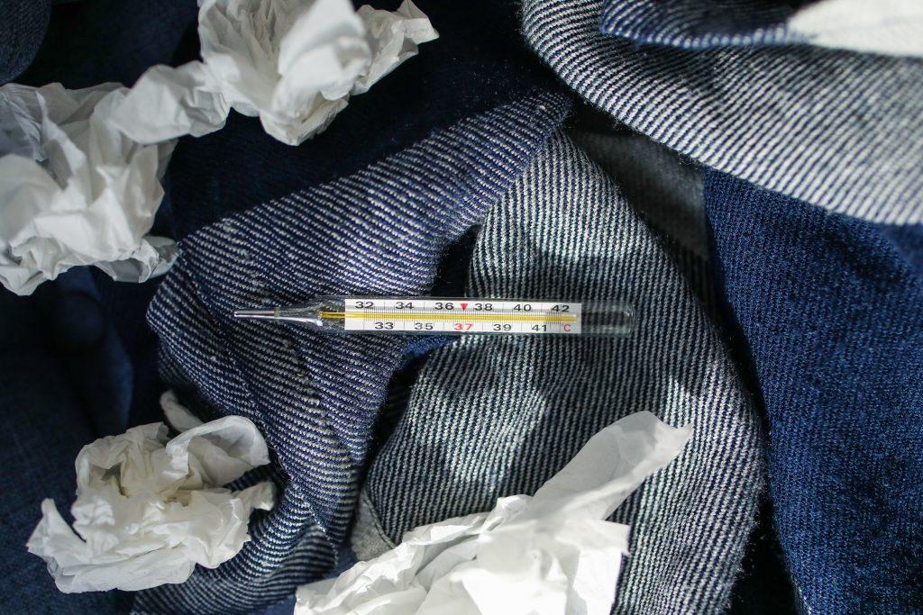 influenza snot snottet papir serviet (Foto: Pexels)