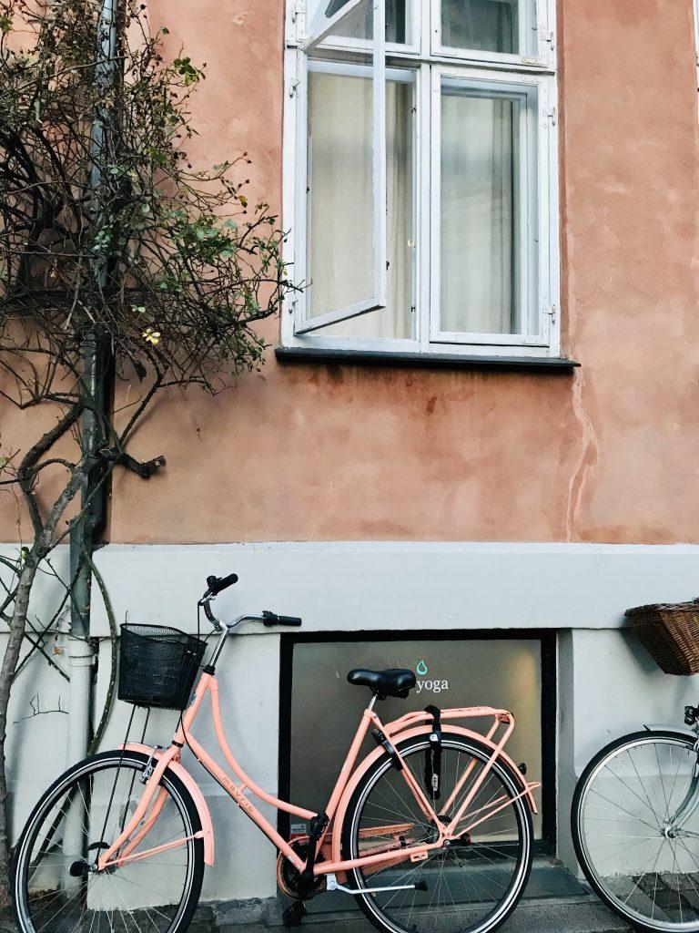 Er det min cykel ... Desværre nej, så pæn er min ikke. Men det er mig, der har taget billedet her midt i København. (Foto: MY DAILY SPACE)