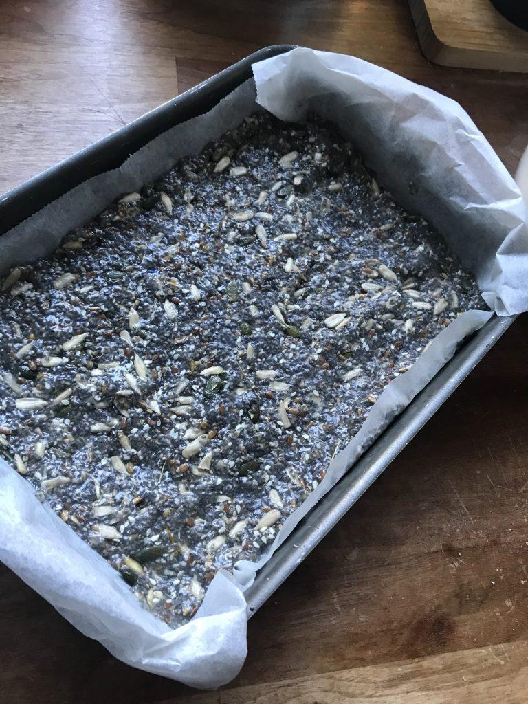 Når du bruger chiafrø og blander med vand bliver konsistens sådan lidt geleagtig. Det kan man måske se her. (Foto: MY DAILY SPACE)