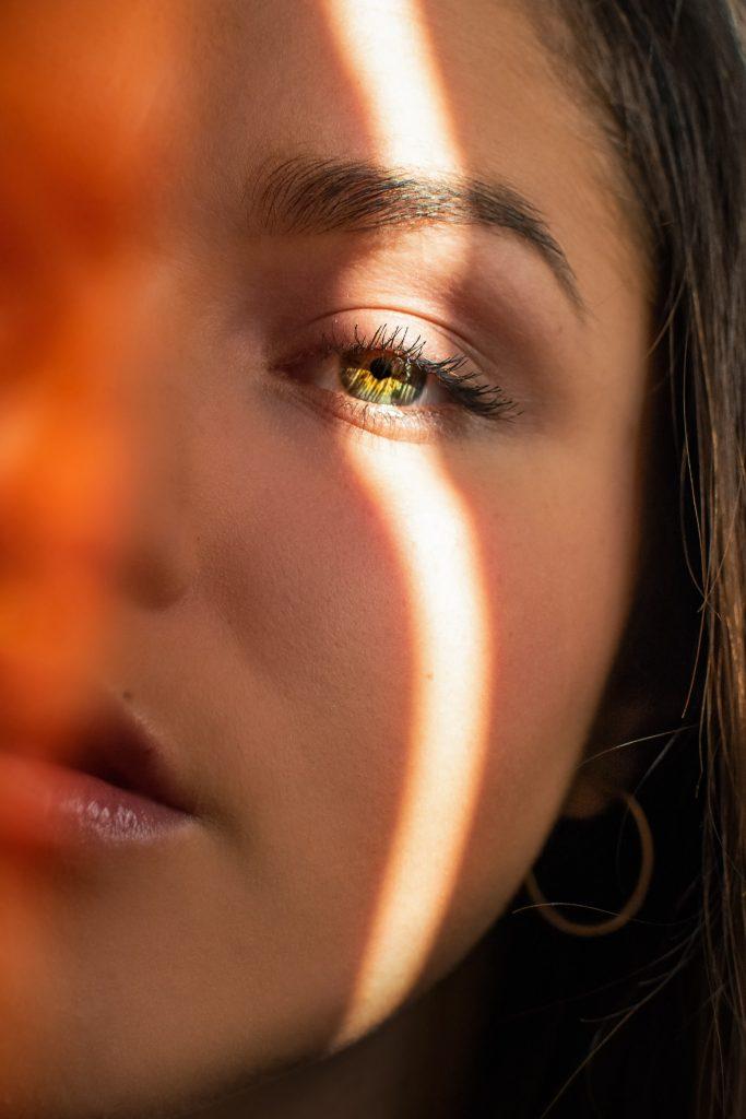 pige øje øjne mund ansigt (Foto: Unsplash)