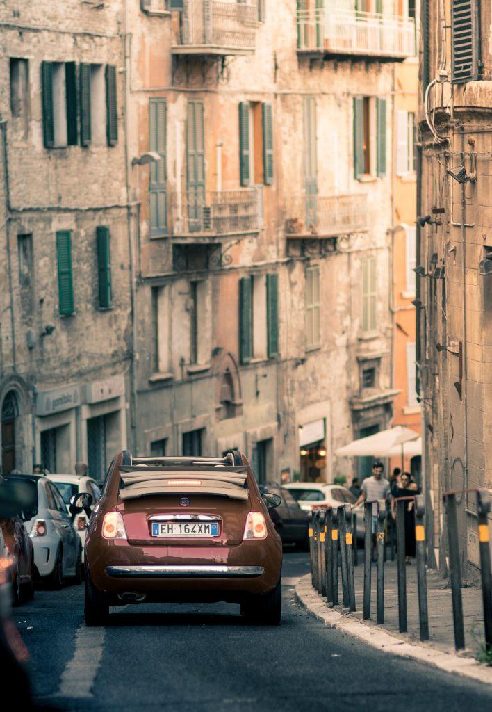 bil rejse ferie gader (Foto: Unsplash)
