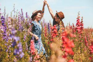 pige piger blomster veninder (Foto: Unsplash)