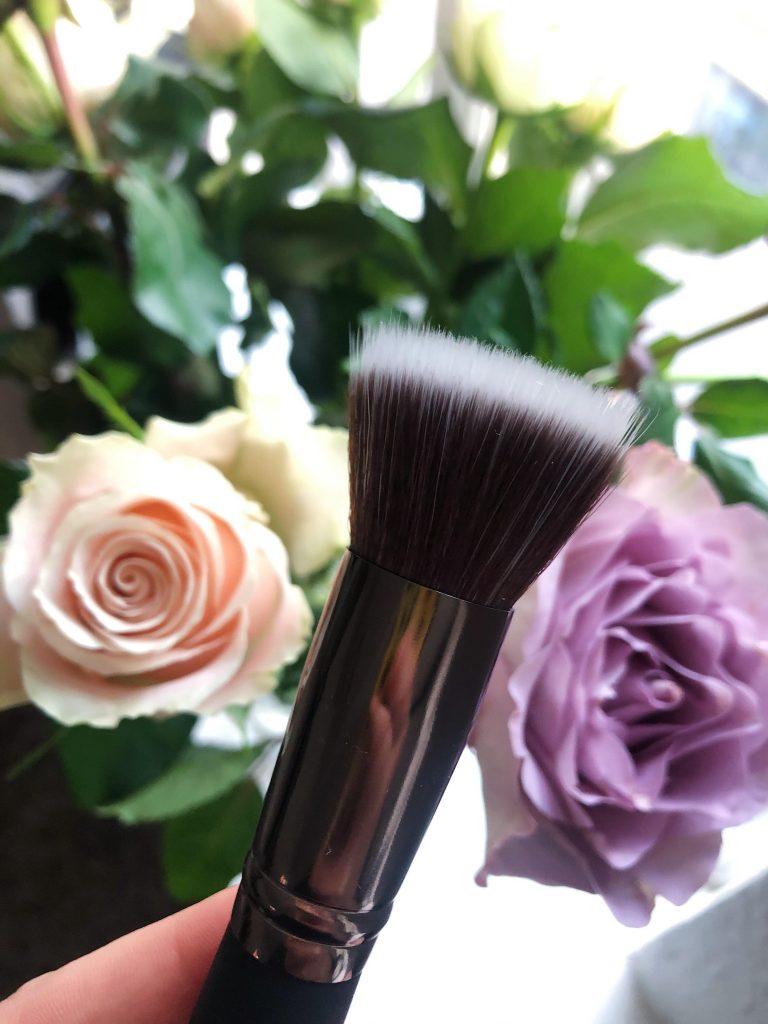pensel brush m. cosmetics