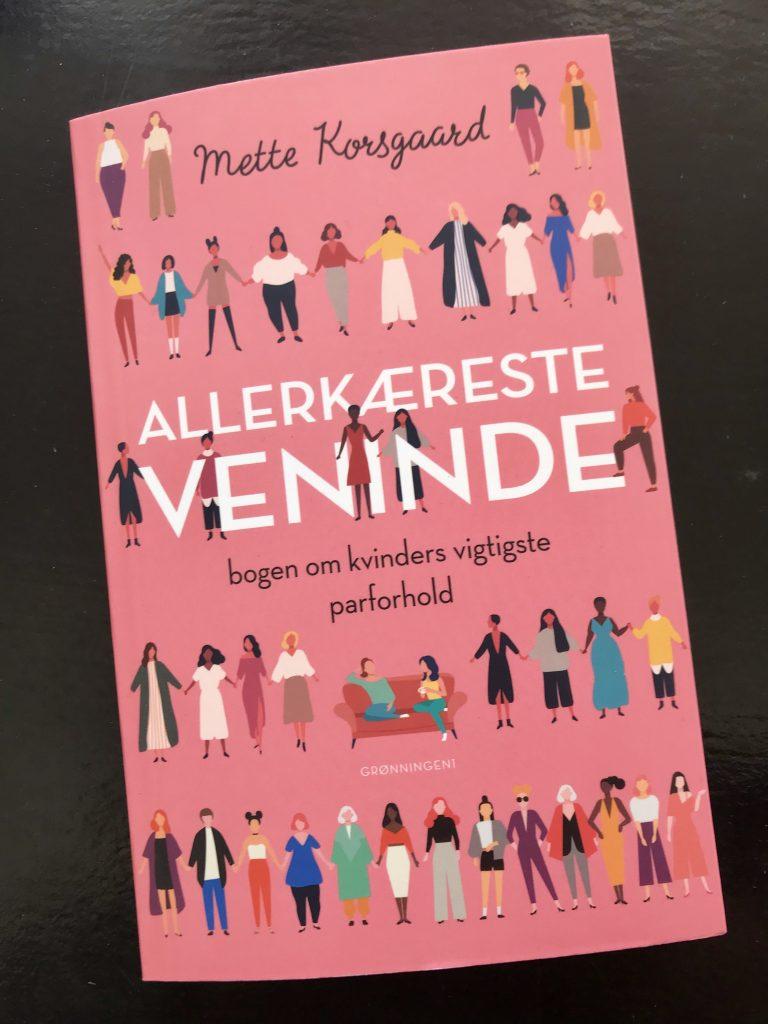 fem på stribe bog allerkæreste veninde mette korsgaard(Foto: MY DAILY SPACE)