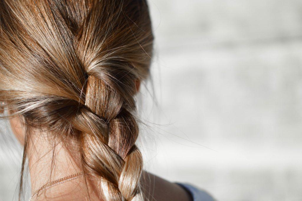 hår fletning (Foto: Pixabay)