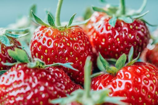 jordbær bær (Foto: Unsplash)