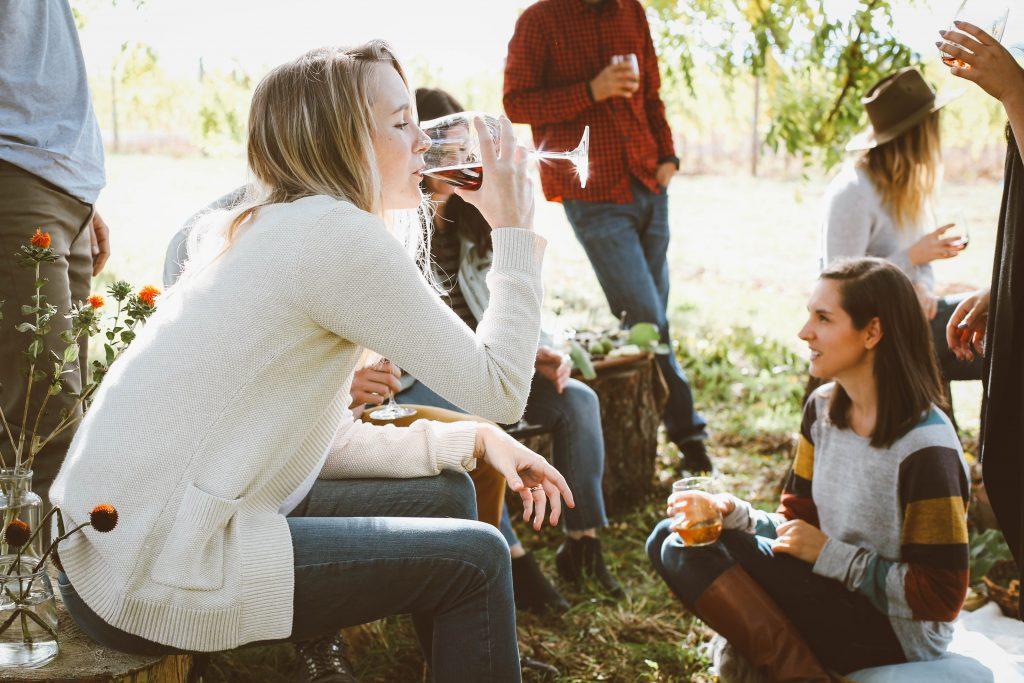 hygge fest udendørsliv havefest (Foto: Unsplash)
