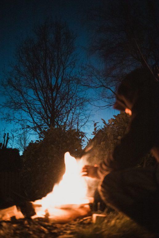 ild bål have sommer (Foto: Unsplash)
