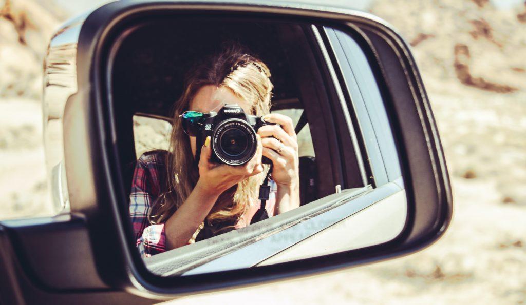 car ride passenger window (Foto: Unsplash)