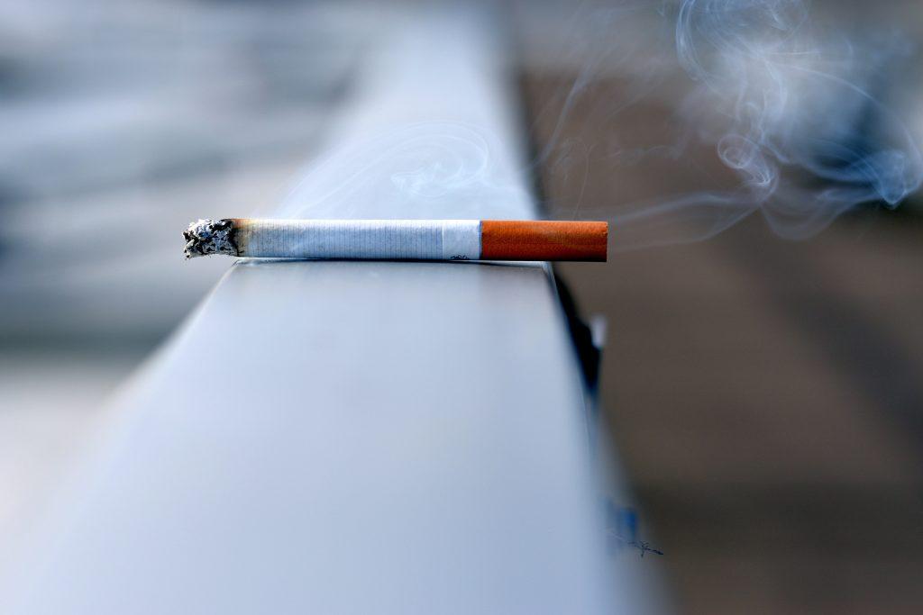 rygning cigaret smoking (Foto: Unsplash.com)
