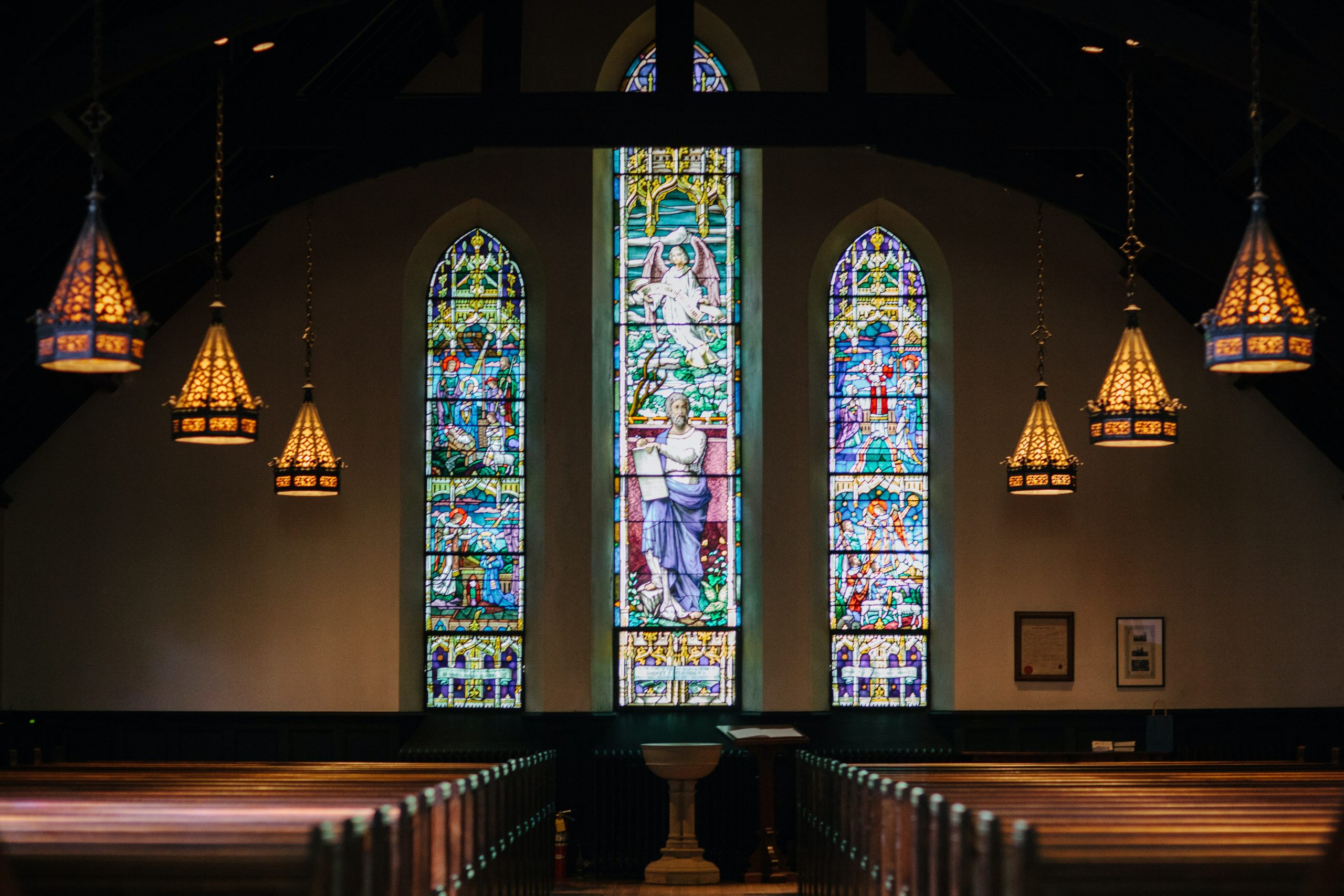 kirke (Foto: Unsplash)