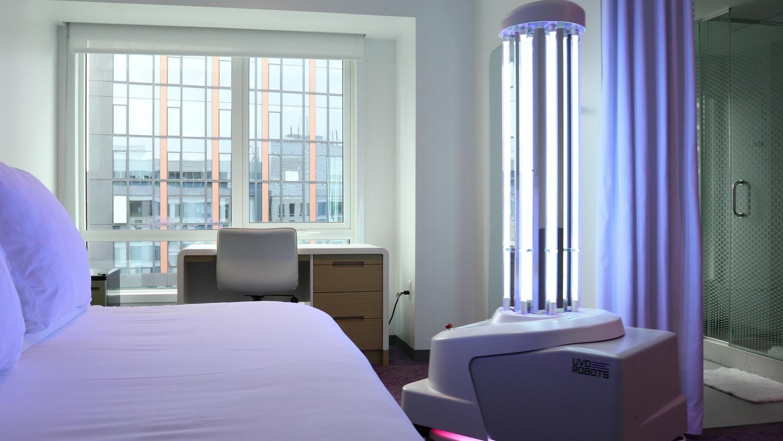uv, lys, hotel (Foto: YOTEL Boston)