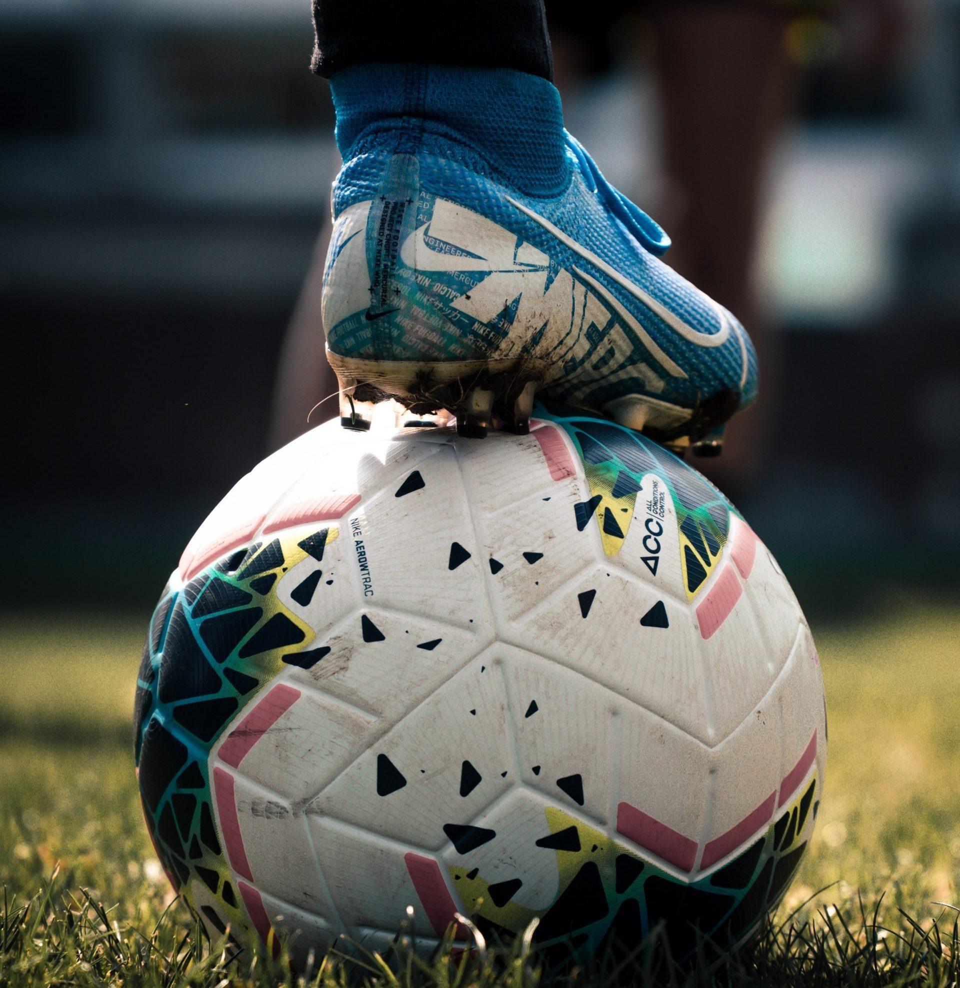 fodbold Foto: Unpslash)