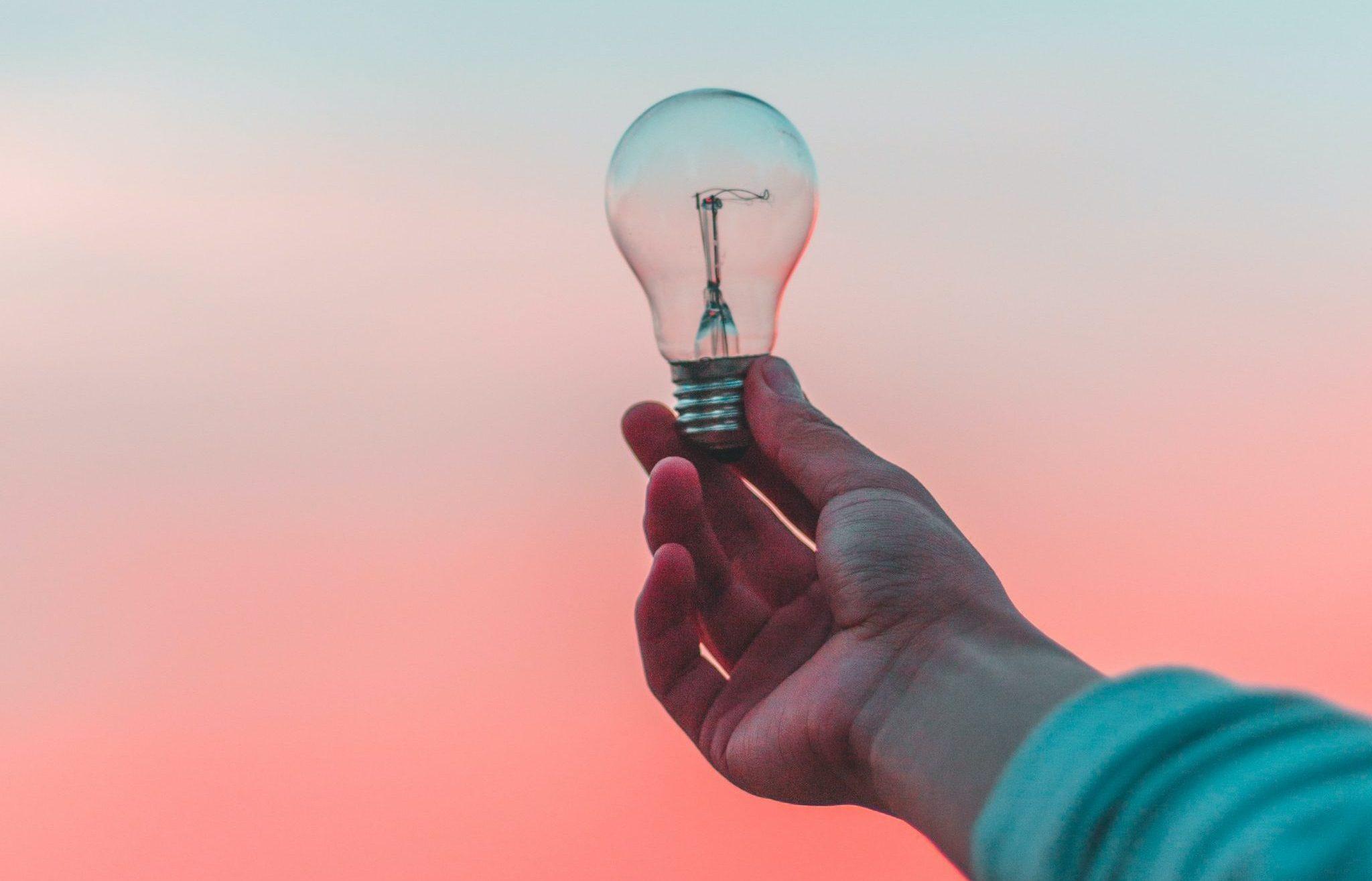 innovation, ide, pære Foto: Unplash)