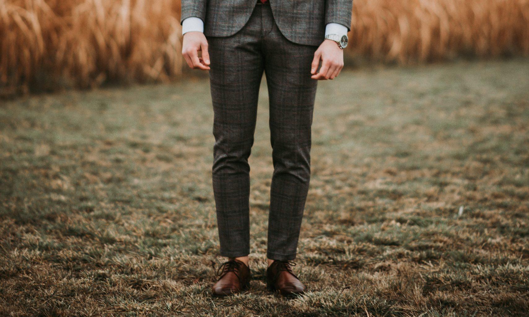 mand, suit Foto: Unsplash)
