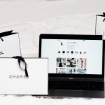 computer chanel shopping ehandel internethandel købe på nettet (Foto: Unsplash)