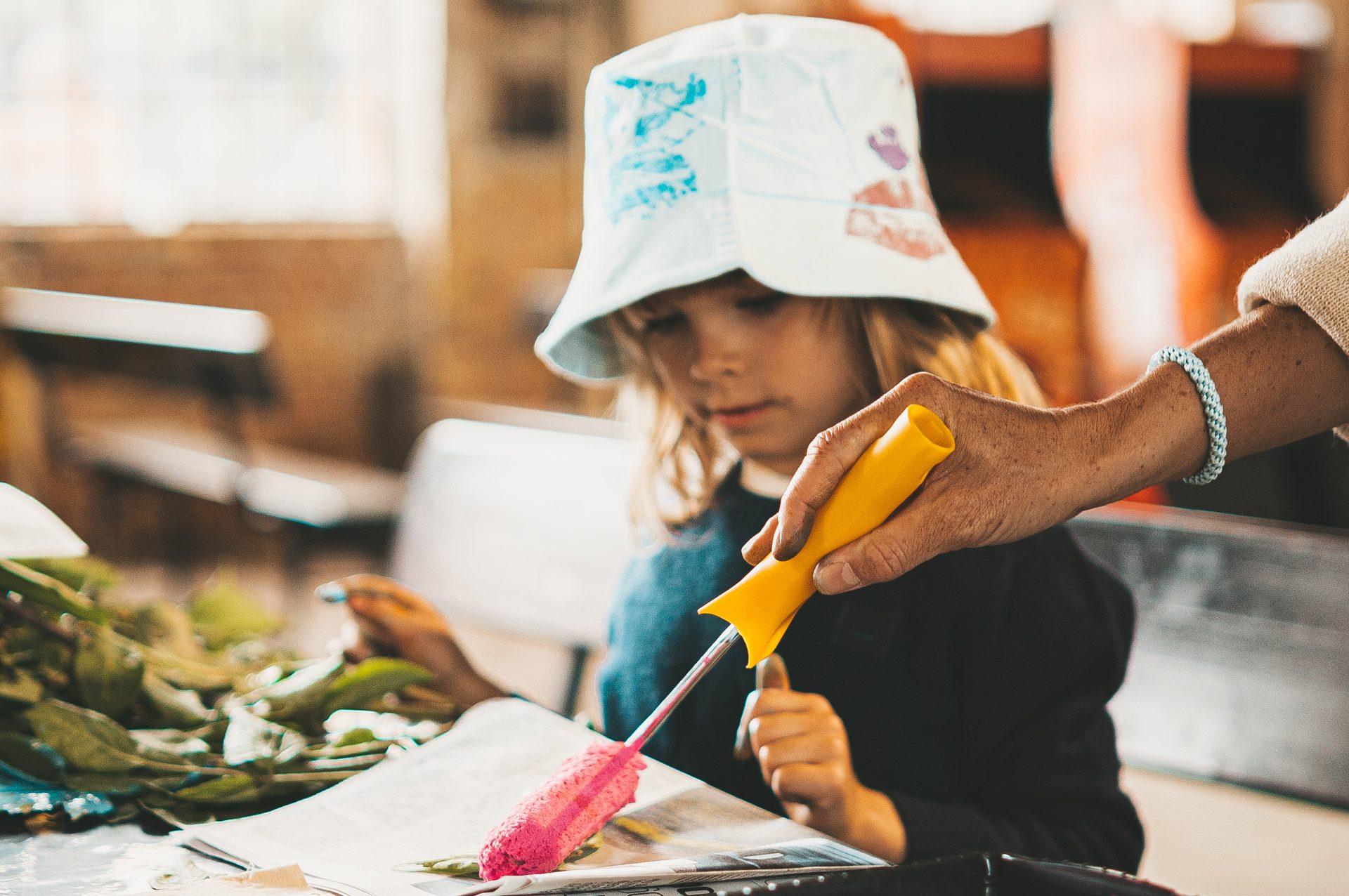 børn, efterårsferie, maling (Foto: PR Broens Gadekøkken)