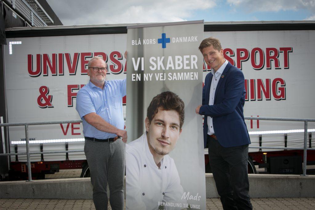 Direktør for Universal Flytteforretning, Brian Søgaard (t.v.), og chef for Blå Kors Genbrug, Anders Christensen (t.h.), ser frem til at gøre en forskel sammen. (Foto: Blå Kors Danmark)