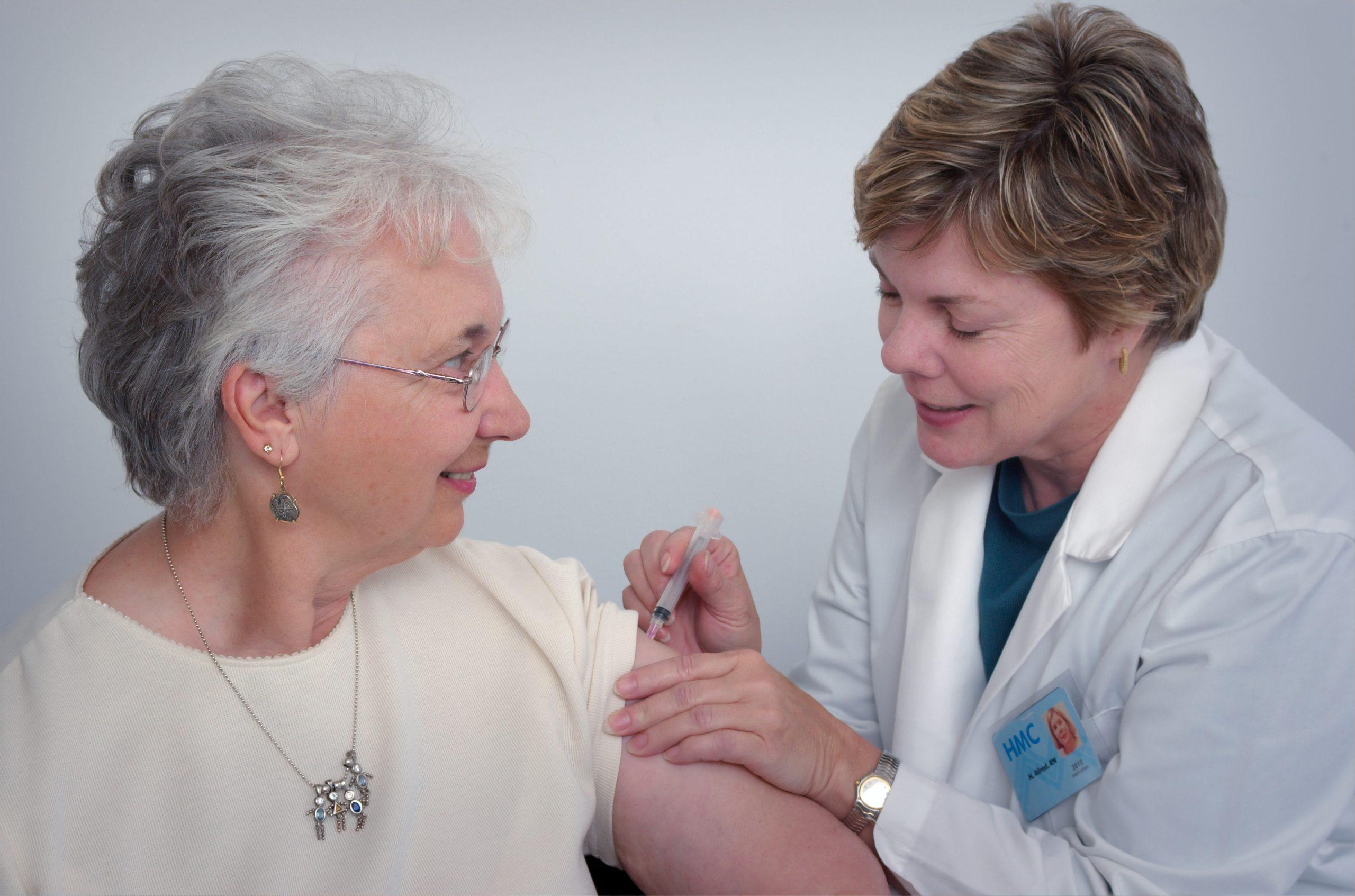 sosu, sygeplejerske, hjælp, ældre (Foto: Unsplash)