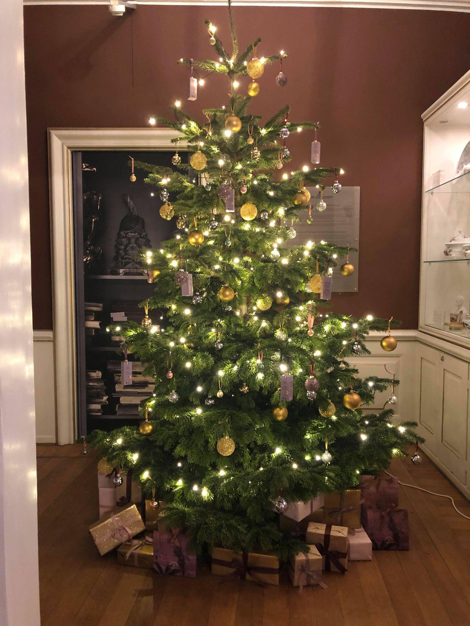 Årets juleborde hos Royal Copenhagen er klar til at inspirere. (Foto: MY DAILY SPACE)