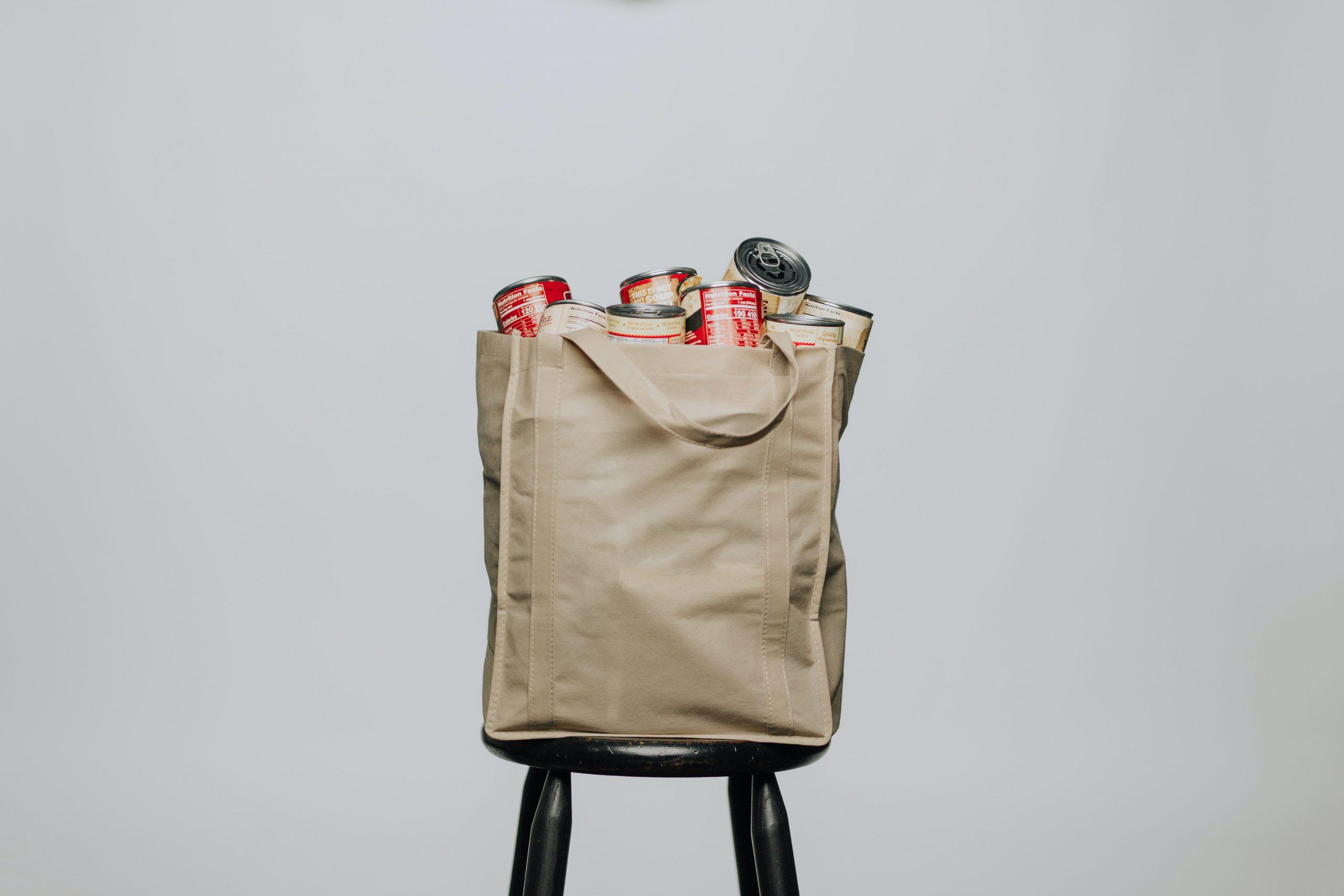doggy bag, brown bag Foto: Unsplash)