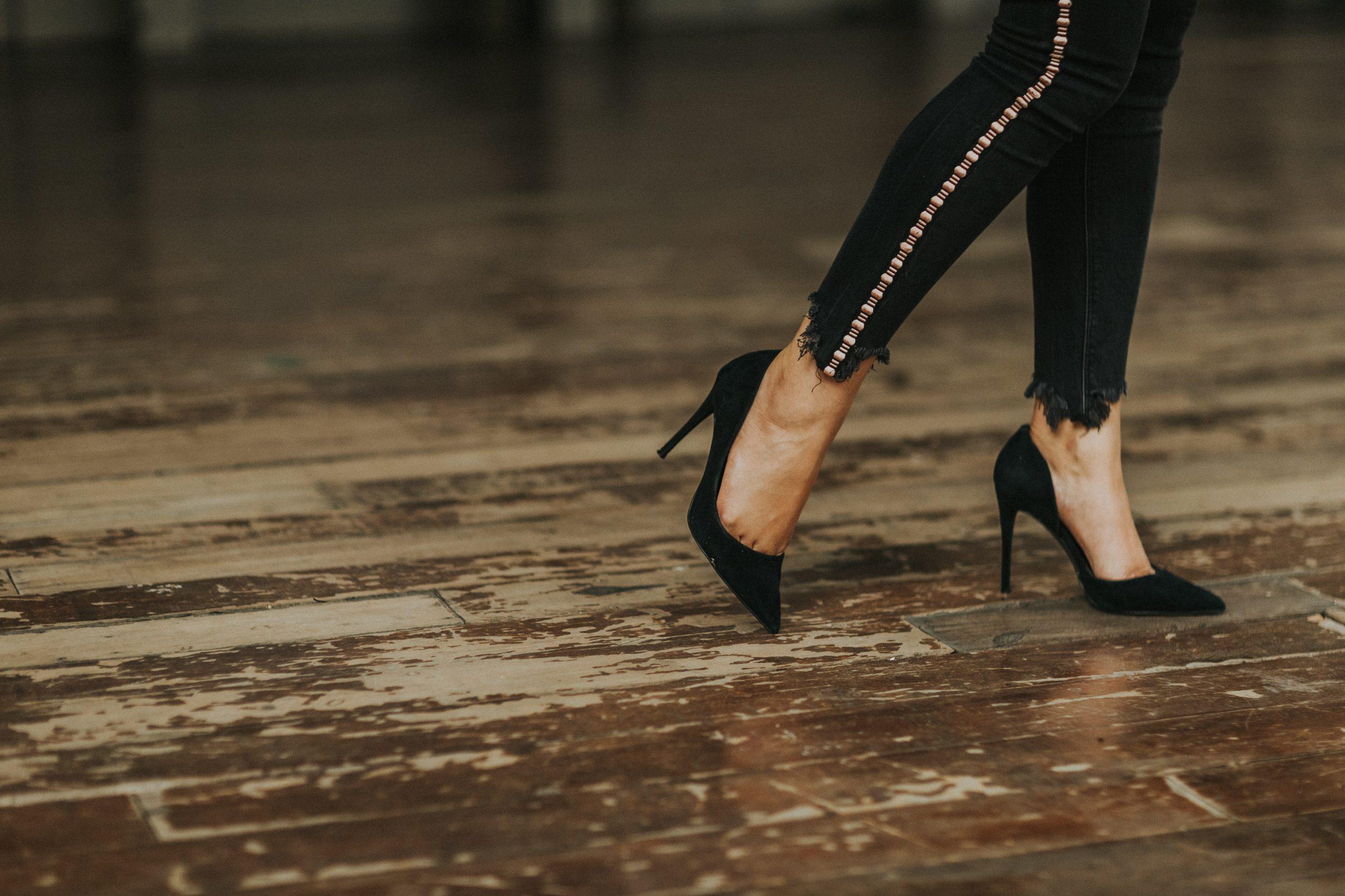 høje sko, hæle (Foto: Unsplash)