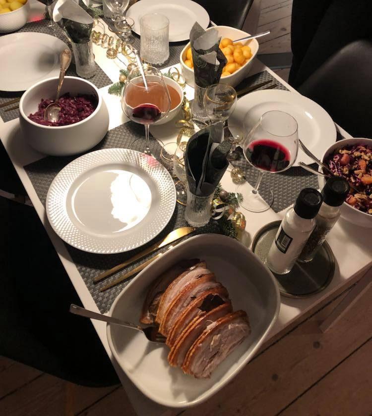 flæskesteg, mad, bord, jul Foto: MY DAILY SPACE)