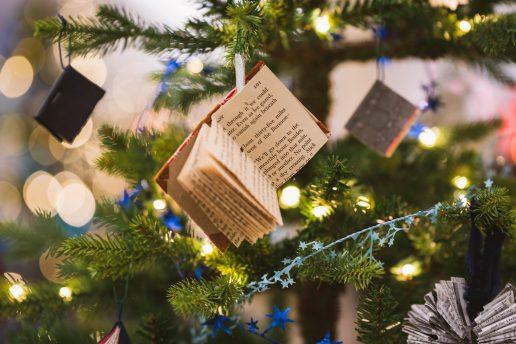 blå kors jul juleaften jletræ