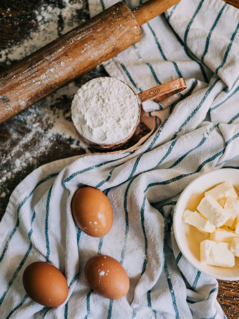 æg, mel, smør, bagning (Foto: Unsplash)