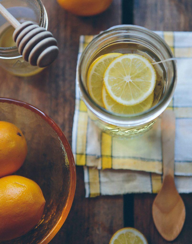 citron drik hyldeblomst (Foto: Unsplash)