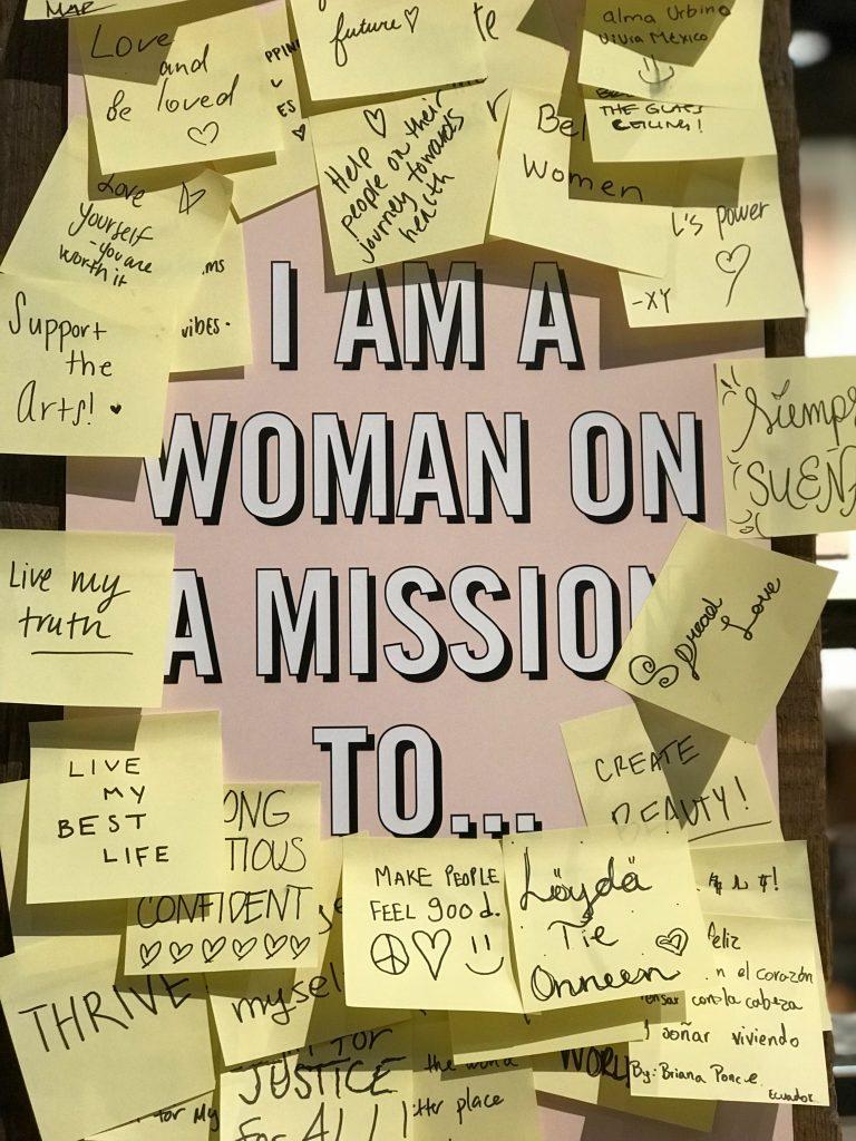 opslagstavle post it sedler mål mission (Foto: Unsplash)