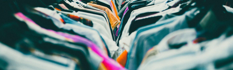 tøj tøjbutik genbrugsbutik (Foto: Unsplash)